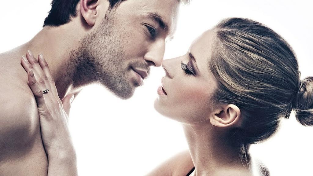 Куда парень поцелует: в нос, лоб, глаза — все имеет свое значение (азбука отношений)
