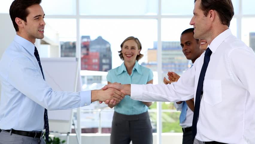 Успешный первый рабочий день нового менеджера: инструкция для новичков