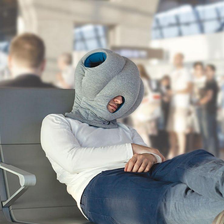 Идеальное решение или деньги на ветер: нужные и бесполезные аксессуары для путешественников