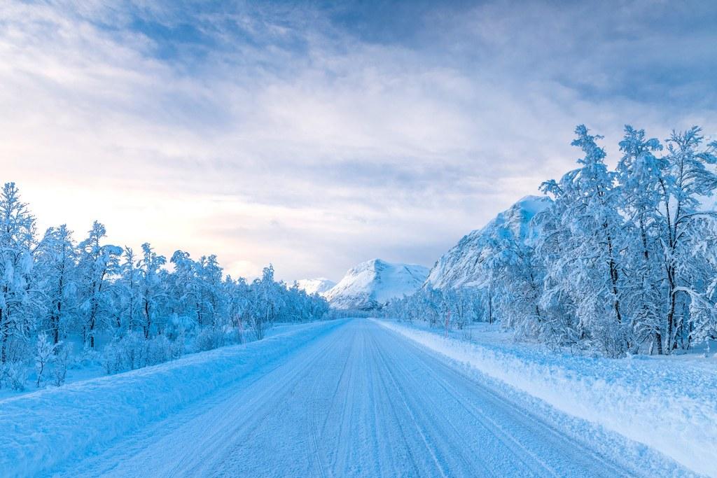 Отель в Норвегии предлагает насладиться северным сиянием прямо из кровати. Правда, под открытым небом