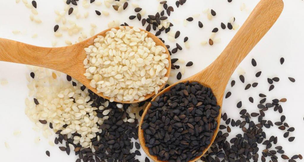 Семена кунжута могут облегчить состояние после повреждения печени, вызванное современными препаратами