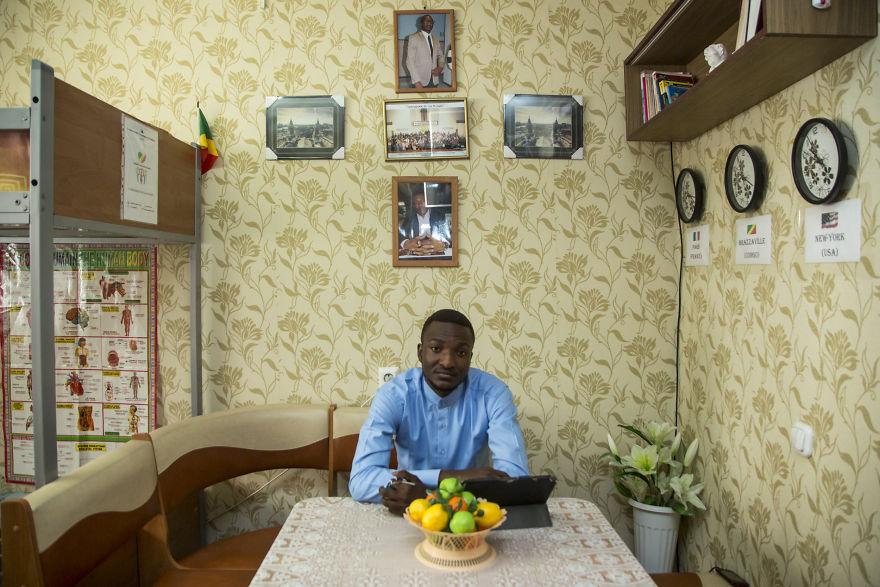Жизнь иностранных студентов в российских общежитиях: расследование фотографа из Тамбова, которое многим пришлось не по вкусу