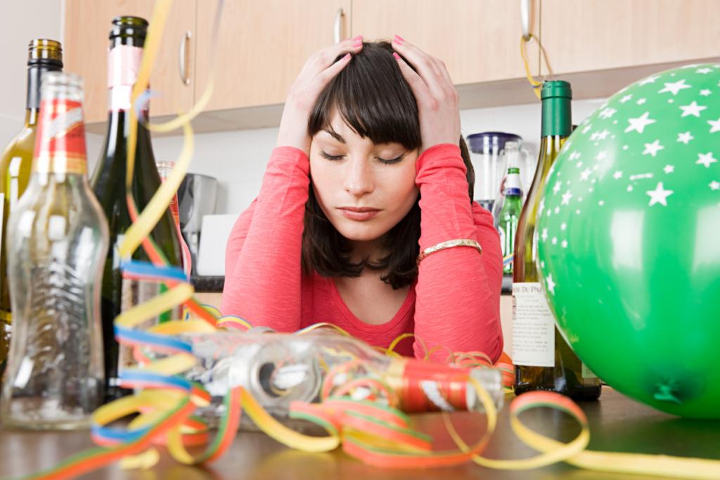 Неприятные последствия вечера пятницы: алкоголь вызывает не только похмелье, но и беспокойство