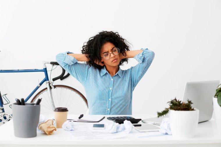 Боль во всем теле и лишний вес - это признаки стресса, предупреждают ученые