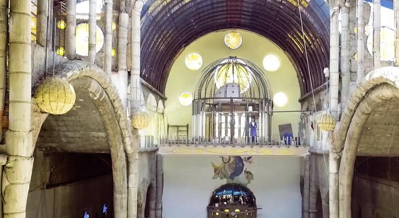 Сотворить невозможное: монах в одиночку 56 лет строил собор. Результат достоин восхищения. Фото
