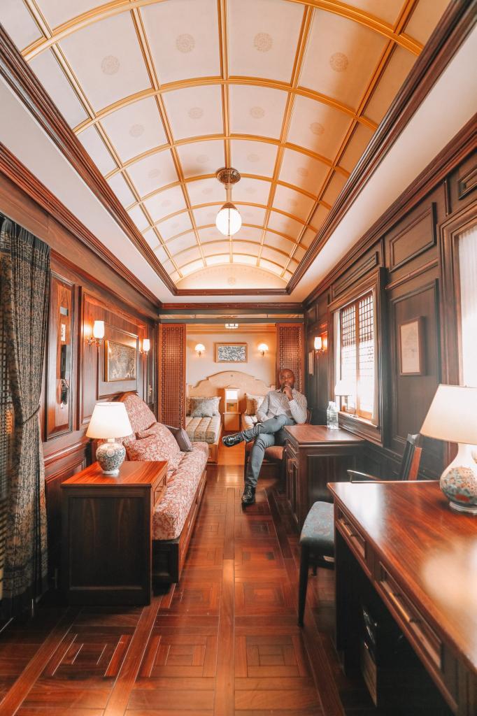 Поезд «Семь звезд » - одно из самых удивительных путешествий, которое вы можете совершить в Японии
