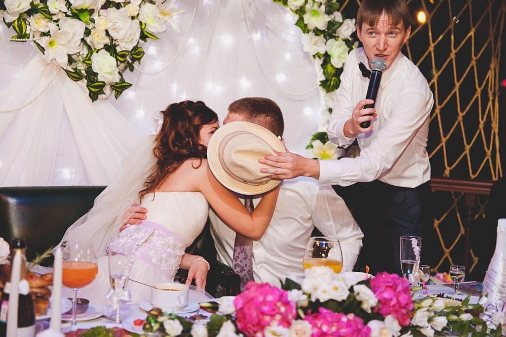 снять прикольные картинки свадьба горько открытки для