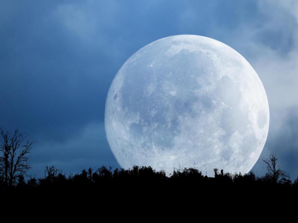 режиссёрское необыкновенные фото луны год
