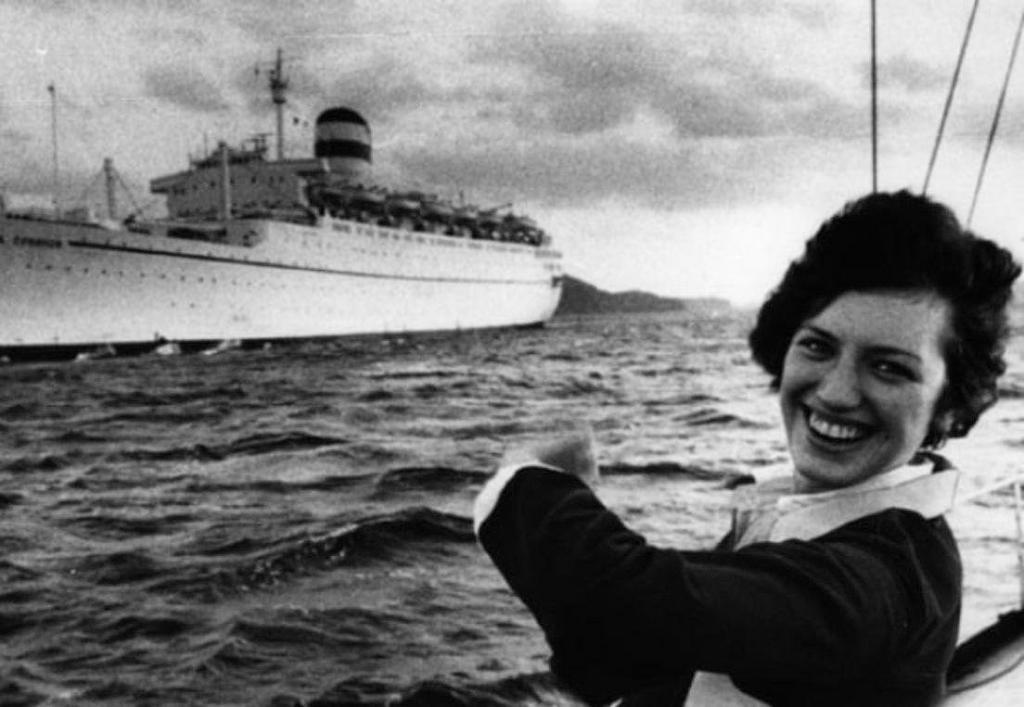 Девушка, удравшая вплавь из СССР в купальнике: история Лили Гасинской