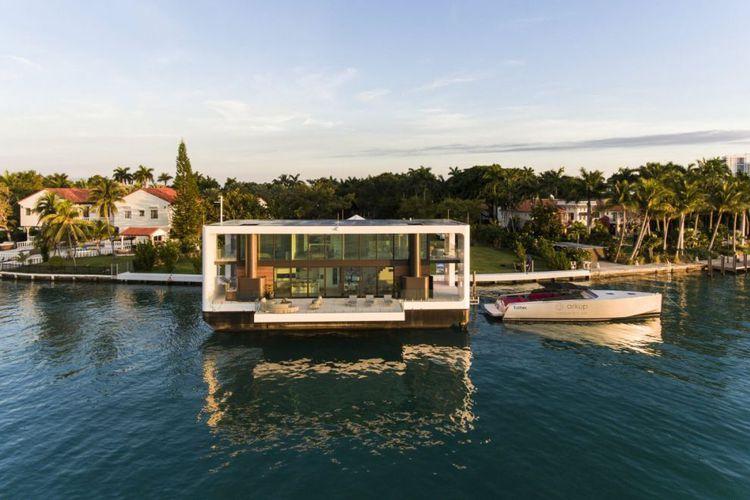 Жизнь в плавающем доме на миллион долларов