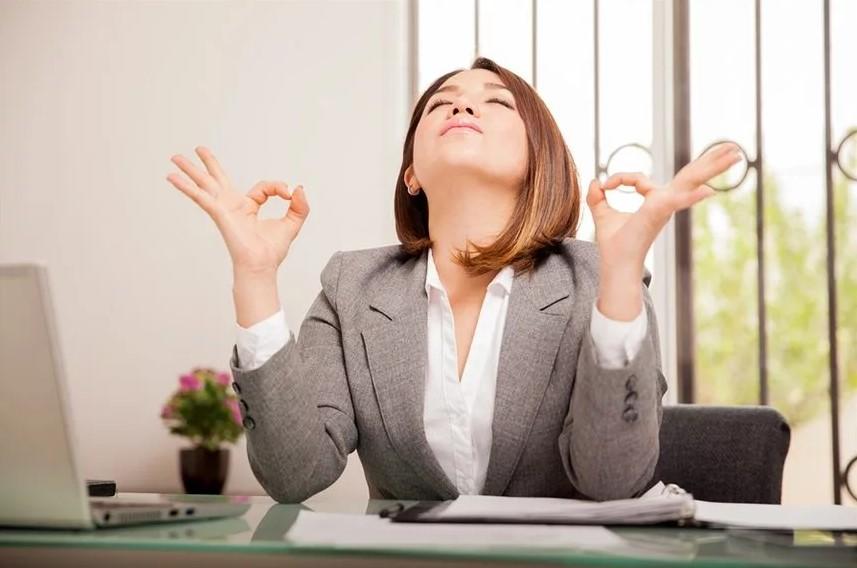 Ограничение времени, проведенного в переживаниях, помогает сократить стресс, и другие механизмы борьбы с ним