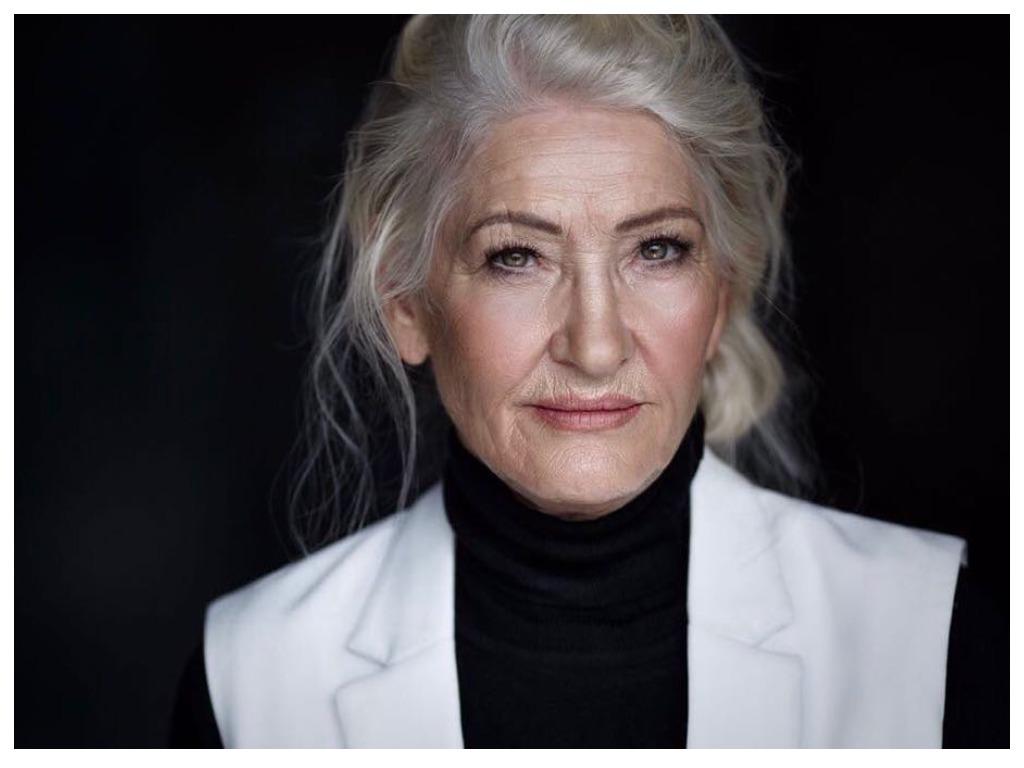 Из обычной пенсионерки в элегантную леди: 72-летняя россиянка рискнула изменить свою внешность и стиль и не прогадала