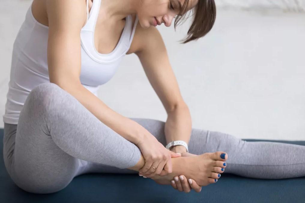 Ученые объяснили, почему при ушибе большого пальца ноги боль такая сильная