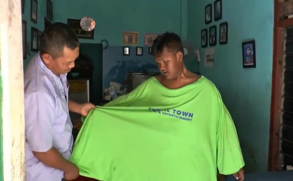 200-килограммового мальчика называли самым тучным в мире, но сегодня его не узнать