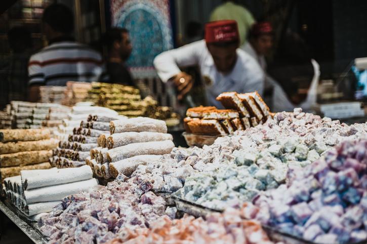 Ешь, пей, покупай: что ждет туристов на знаменитом Гранд-базаре в Стамбуле