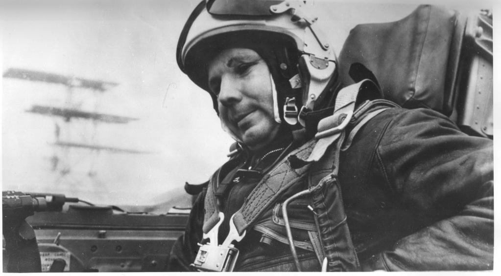 Сколько государство заплатило Гагарину за первый полёт в космос