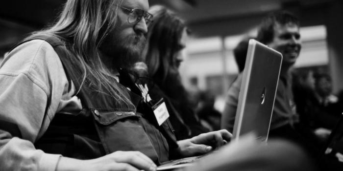борода - показатель опыта работы хакера