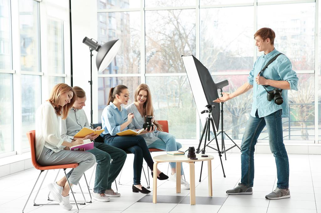 где учиться на фотокорреспондента седаны