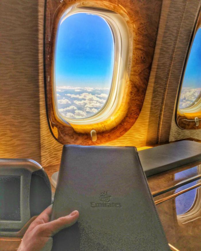 арабские эмираты полеты первым классом пассажир