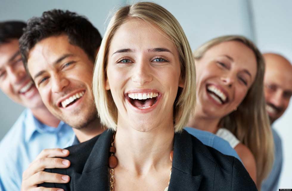 смеющийся человек фото