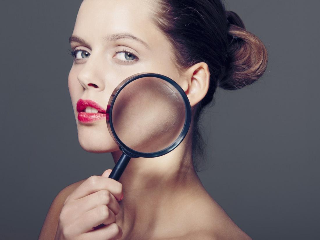 картин подсветкой фото под лупой здоровой кожи лица средствах массовой