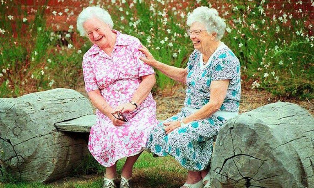 Смешные картинки с бабушками двумя