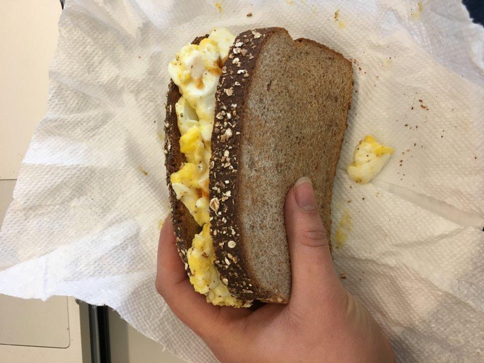 Эксперимент помог девушке сэкономить: в течение недели она ела яйца на каждый прием пищи
