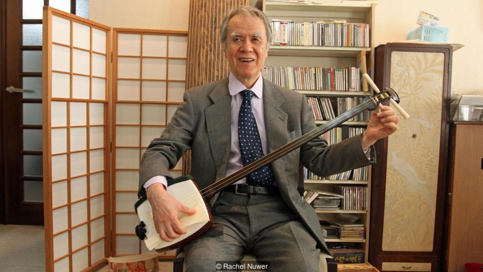 Японские музыканты боятся остаться без слоновой кости для изготовления старинного инструмента кото