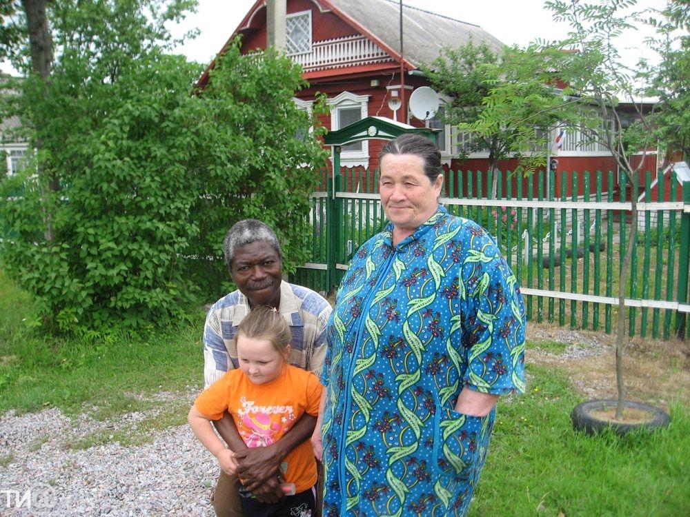 Просто и без гламура: реальные истории русских женщин и их мужей-африканцев
