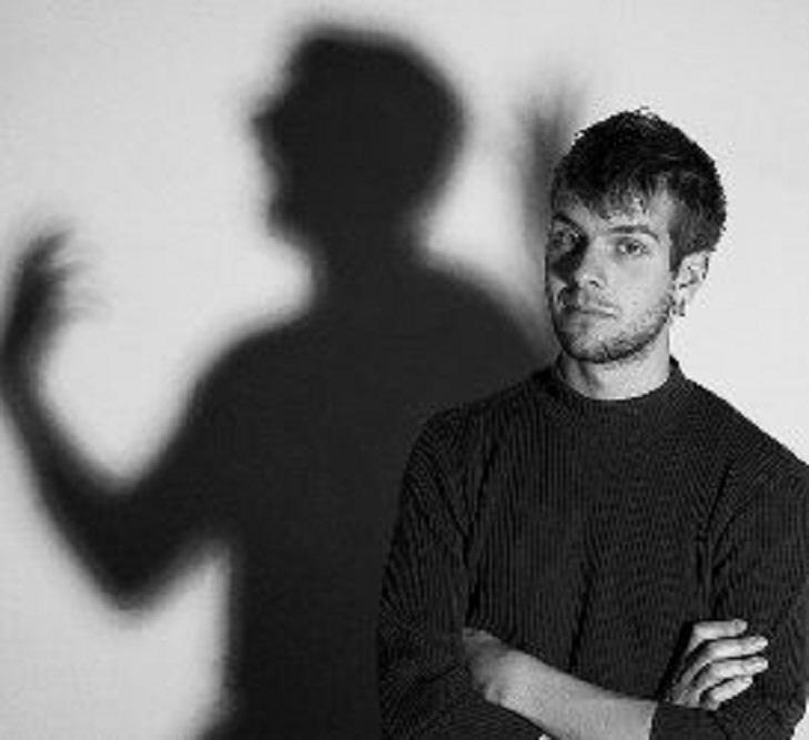 Невротик: как выглядит жизнь такого человека, какой он в отношениях