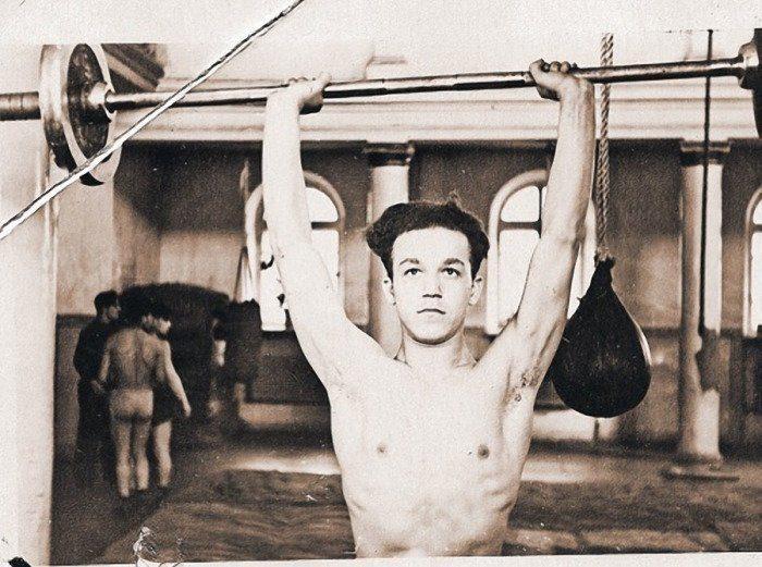 Эльдар Рязанов обнимает Геннадия Хазанова, боксер-чемпион Иосиф Кобзон и другие советские кумиры в неформальной обстановке (фото)