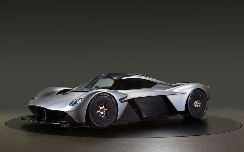 Нереальная сила под капотом: автомобили с двигателями мощностью 1000 и больше лошадиных сил