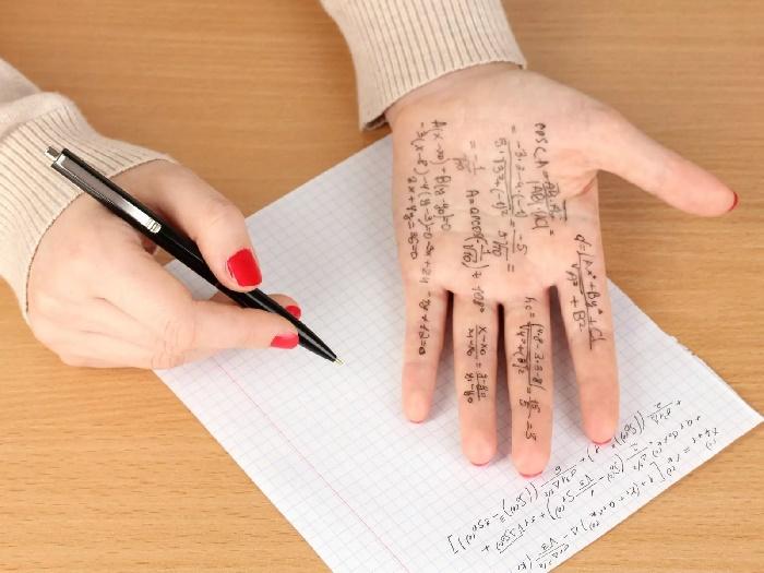 Написание шпаргалки - не порок, а большая работа. Мнение психологов и учителей