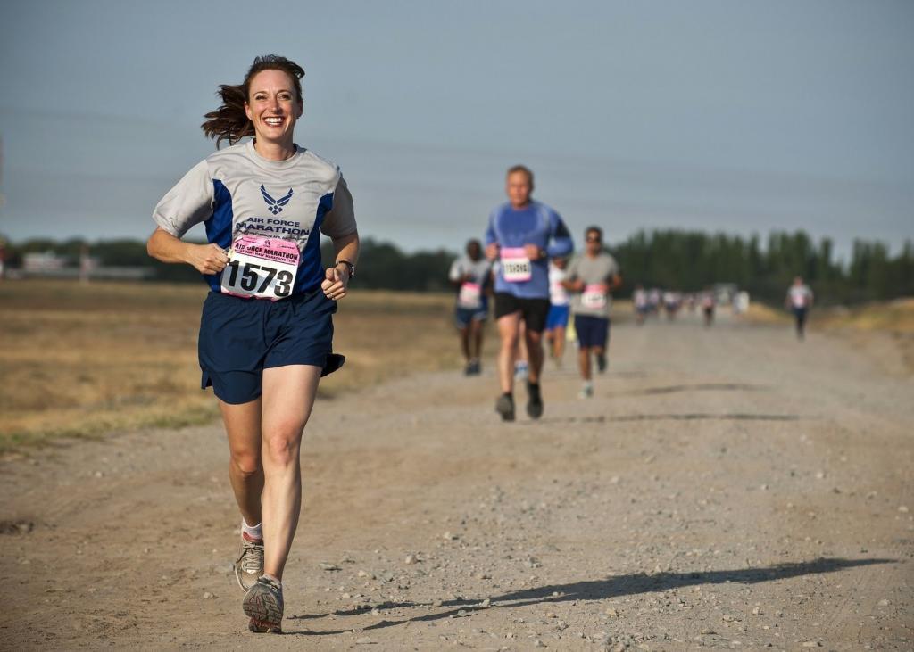 Натренировать тело и пробежать марафон может каждый: полезные советы, как это сделать