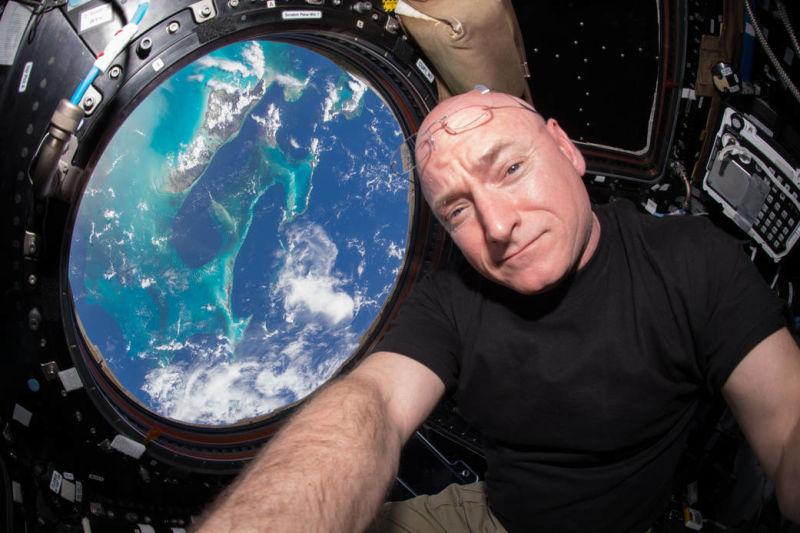 Сравнение братьев-близнецов: изменяет ли человека длительное пребывание в космосе