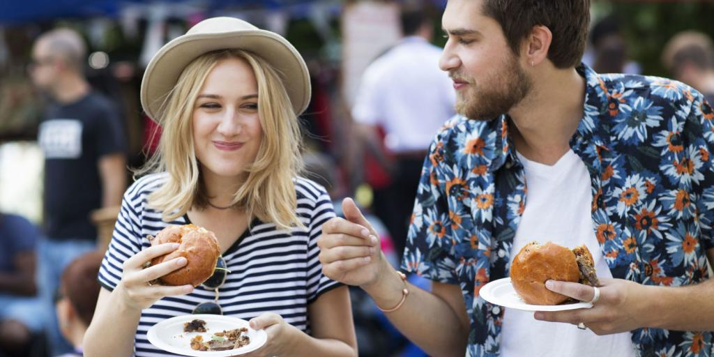 Почему супружеские пары быстрее набирают лишний вес, чем люди, не состоящие в отношениях? Исследования ученых