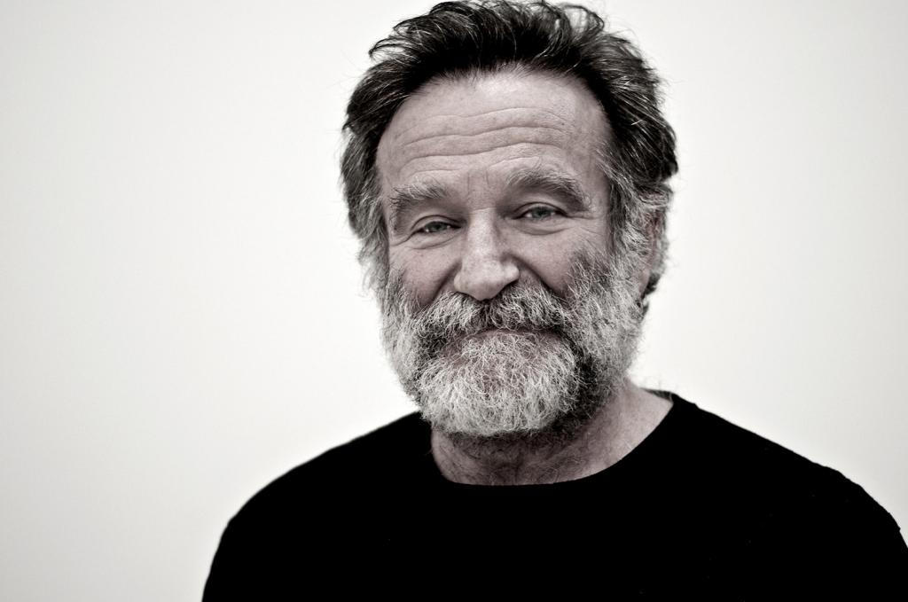 Робин Уильямс тайно просил кинокомпании нанимать бездомных на съемки всех фильмов с его участием