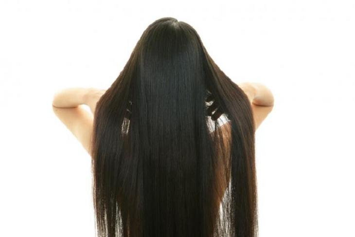 Налегать на шпинат весной и другие полезные хитрости, чтобы вернуть волосам объем после зимы
