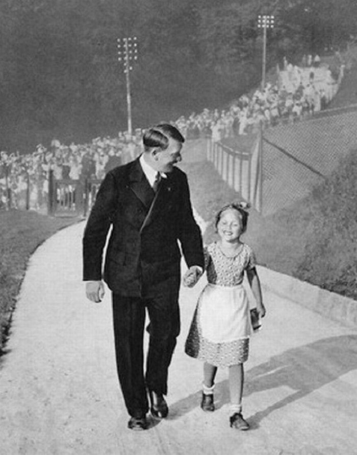 Любимица Гитлера: как маленькая еврейская девочка стала хорошим другом фюрера