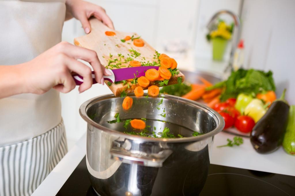 Самостоятельное приготовление пищи, проживание в хостеле и другие способы значительно снизить расходы во время отпуска