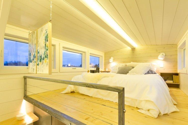 Женщине надоело оплачивать коммуналку и она переехала в дом, площадью 30 м²