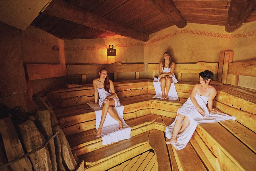 Общая баня и видео