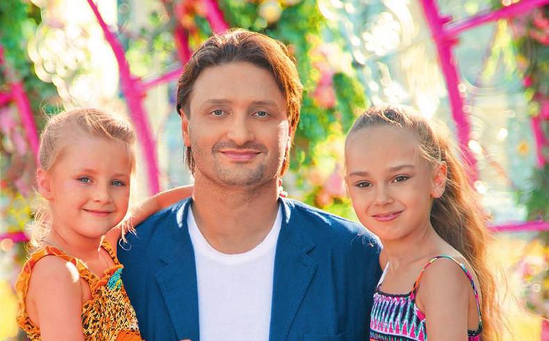 Аршавин с новой женой и детьми фото