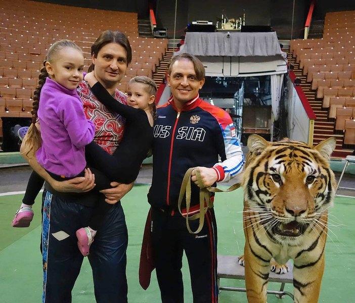Степан михалков семья фото ним относят