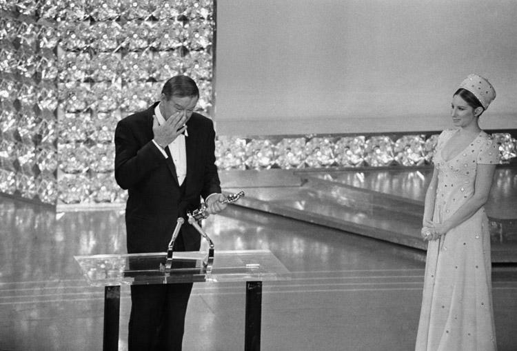 """Джон Уэйн: """"король вестернов"""", которого никто так и не смог превзойти. Сложная и удивительная судьба одного из самых востребованных актеров Голливуда всех времен"""