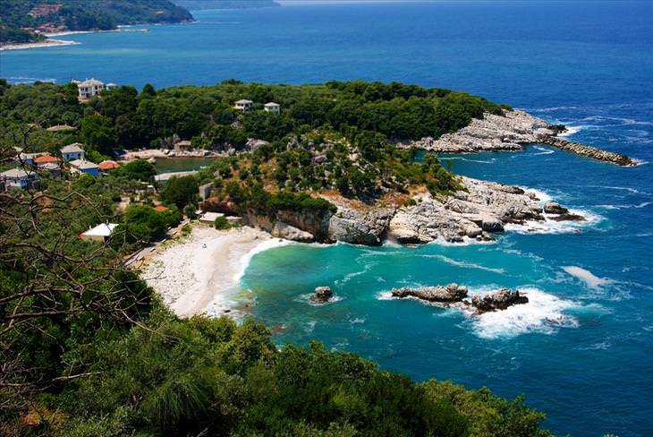 Открываем для себя новую Грецию: подземный город, гигантские пещеры, аутентичные деревни и древние монастыри