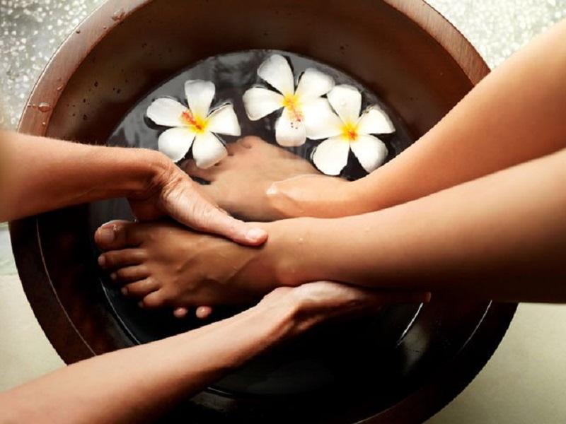 Почему массаж ног перед сном так важен и полезен для нашего организма