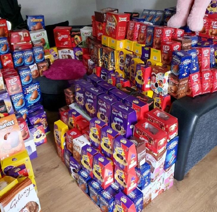 9-летняя школьница хотела, чтобы Пасху праздновали и дети в больницах. Поэтому она собрала для них свыше 1000 шоколадных яиц
