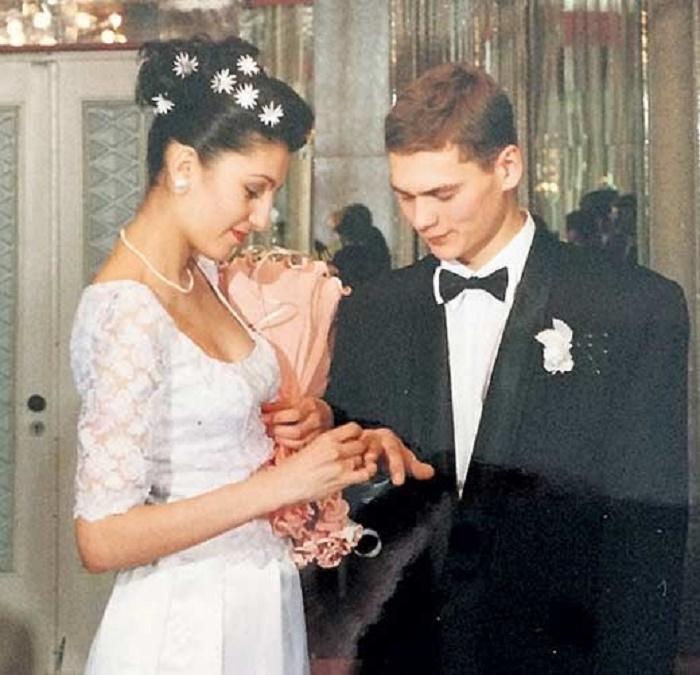 Александр пашков личная жизнь фото с женой
