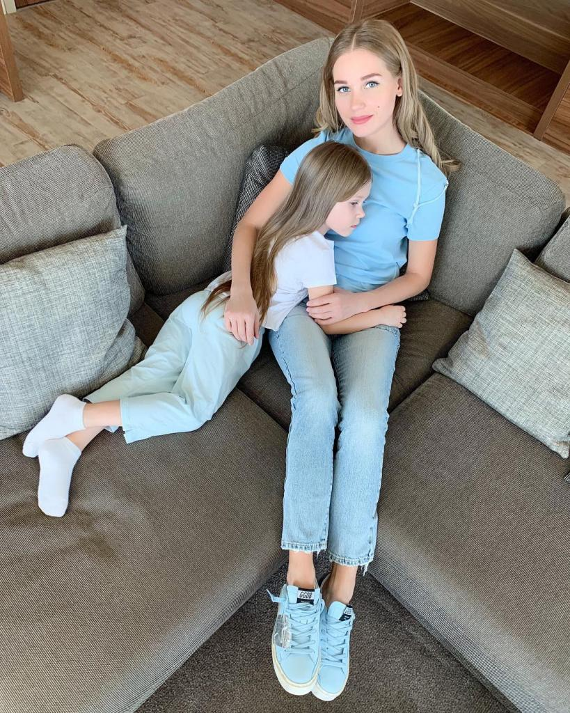 Дочери Гарика Харламова и Кристины Асмус уже 5 лет. Как сегодня выглядит маленькая Настя: фото